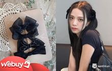 """Nhờ công Jisoo lăng xê, kẹp tóc nơ """"sến rện"""" lại thành hot trend khiến nàng nào cũng muốn bắt chước theo"""