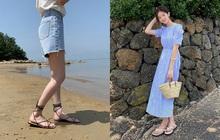 """Hè này đi biển, chị em hãy kết thân với 4 kiểu giày dép vừa xinh vừa đi """"ngon ơ"""" trên nền cát"""