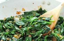 5 loại rau phải chần trước khi ăn để không rước bệnh vào người