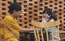 """Nữ streamer Hạ Mi bị fan """"bắt quả tang"""" chỉ follow một duy nhất, có phải đang yêu?"""