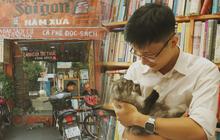 """Gặp ông chủ quán uống cà phê trả tiền bằng sách độc nhất Sài Gòn: Mang 1 quyển sách """"tặng"""" quán, nhận một phần nước bất kỳ"""
