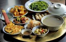 """Đây là thói quen ăn cơm nguy hiểm của nhiều người Việt, hãy thay đổi ngay trước khi gia đình bạn """"rước"""" đủ thứ bệnh"""