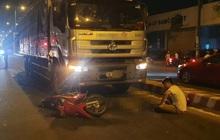 Xảy ra va chạm, người đàn ông chạy xe máy tử vong trước đầu xe tải