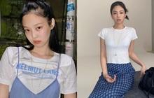 """""""Nữ hoàng sang chảnh"""" Jennie có một combo đồ xanh - trắng siêu xinh, ai cũng có thể học theo để nâng điểm style"""