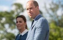 """Xuất hiện cực rạng rỡ tại sự kiện mới nhưng cặp vợ chồng """"mẫu mực"""" nhà Công nương Kate lại nhận về loạt chỉ trích từ người hâm mộ"""