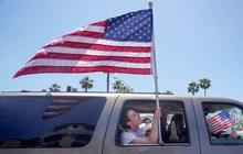 Mỹ: 'Bóng ma' COVID-19 phủ mờ ngày Quốc khánh, nguy cơ tăng số ca bệnh vì tiệc tùng