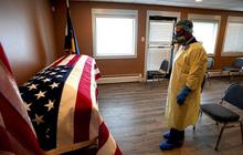 Mỹ: Số ca mắc COVID-19 vượt mốc 3 triệu, dân xếp hàng xét nghiệm từ 3h sáng