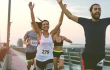 Ngay cả khi bạn chạy bộ... ở nhà thì vẫn có thể góp sức chống dịch COVID-19 cùng cả nước