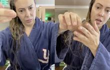 Mỹ nhân Phép thuật Alyssa Milano gây sốc vì màn chải đầu ra mảng tóc, xót xa vì biến chứng khi mắc COVID-19