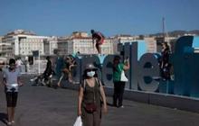 Châu Âu kêu gọi các nước trở lại biện pháp hạn chế để ngăn dịch tái bùng phát
