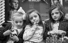 Trẻ em phì phèo điếu thuốc, make-up đậm, đeo túi hiệu và những nét văn hoá độc đáo đầy ấn tượng của dân du mục ngay giữa lòng Ireland