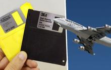 """Vì sao máy bay Boeing 747 vẫn phải cập nhật phần mềm thông qua chiếc đĩa mềm """"cổ lỗ sĩ""""?"""