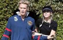 HOT: Miley Cyrus chia tay tình trẻ kém 5 tuổi Cody Simpson chỉ sau 10 tháng hẹn hò