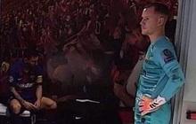 Tấm hình chụp Messi ngồi buồn bã trong phòng thay đồ gây bão MXH, thần thái đến mức dân tình còn ngỡ là ảnh ghép