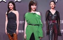 """Tam ca """"30 Chưa Phải Là Hết"""" mặc xấu phá đảo thảm đỏ Tencent, các chị lại đắc tội để stylist phải dỗi hay gì?"""