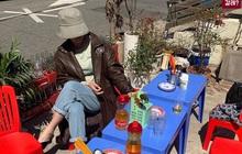 """Một quán nhậu ở Seoul (Hàn Quốc) y hệt phố Tây Tạ Hiện từ """"A tới Z"""": Bàn ghế nhựa, đồ nhắm, kiểu gì cũng tưởng ở Việt Nam"""