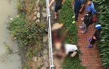 Để lại đôi dép, người phụ nữ nhảy xuống dòng kênh tự tử ở trung tâm Sài Gòn