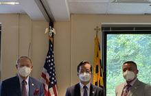 Đại sứ quán Việt Nam tại Mỹ trao tặng bang Maryland 10.000 khẩu trang