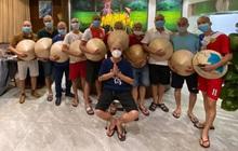 """Đoàn y bác sĩ TP Hải Phòng đồng loạt """"xuống tóc"""" trước khi trực tiếp vào tâm dịch Đà Nẵng"""