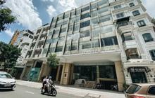 """Hàng loạt khách sạn ở trung tâm Sài Gòn ngừng hoạt động, rao bán vì """"ngấm đòn"""" Covid-19"""
