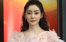 """Visual gây thất vọng nhất hôm qua: Trương Thiên Ái bị dìm tơi tả vì lông mày """"kim khều ốc"""", nhan sắc lép vế giữa dàn sao"""