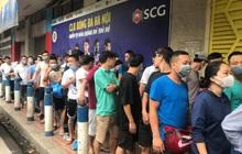 [Chung kết Cúp Quốc gia] Hà Nội FC vs CLB Viettel: Người hâm mộ xếp hàng dài chờ vào sân