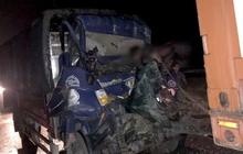 Xe tải tông xe đầu kéo trên cao tốc TP.HCM - Trung Lương, 2 người tử vong