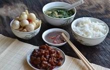 """3 kiểu ăn cơm cực tai hại mà người Việt cần phải từ bỏ ngay trước khi làm """"mòn bao tử"""" và rước thêm cả tá bệnh cho mình"""