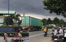 Va chạm với xe container, hai người đàn ông chết tại chỗ