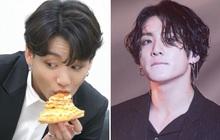 """Jungkook (BTS) bị """"tố"""" ăn pizza cả tháng trời không ngán, hội fangirl lo thay cho cơ bụng 6 múi năm nào"""