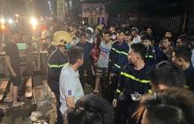 Hàng trăm người chui xuống cống tìm người phụ nữ bị nước cuốn ở Đồng Nai