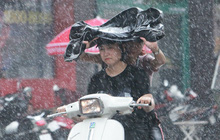 Đón gió mùa Đông Bắc, Hà Nội nhiều vùng có mưa to, trời chuyển mát
