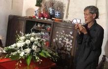 Hà Nội: Thương tâm một thanh niên bị sét đánh tử vong khi vừa sạc pin vừa dùng điện thoại