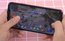 """Hàng loạt tuyển thủ Liên Quân Mobile """"kéo nhau"""" dùng iPhone 11 Pro Max - iPhone vẫn là lựa chọn """"số dzách"""" khi chơi game?"""