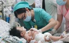Bé 2 tháng tuổi vào viện với làn da màu xanh do ngộ độc nitrite