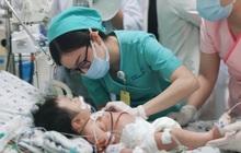 Ngộ độc, bé sơ sinh có làn da đổi thành màu xanh, máu màu nâu