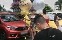"""Hội chị em bán hàng online khoe được công ty thưởng siêu xe, dân tình ồ ạt bóc mẽ là """"nhận vơ"""""""