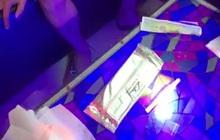"""Đồng Nai: Nhóm dân chơi làm điều """"mờ ám"""" trong quán karaoke"""