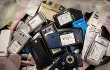 Các nhà khoa học đã tìm ra cách tận dụng khí nhà kính CO2 để tái chế pin cho smartphone, xe điện