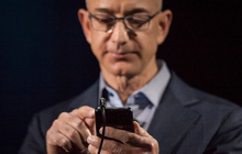 """CEO Amazon dùng smartphone gì mà lại dính """"phốt"""" bị hack nhiều thông tin nhạy cảm?"""