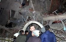 Thổ Nhĩ Kỳ rung chuyển vì động đất và 60 dư chấn, hơn 560 người thương vong