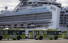 Những hành khách đầu tiên rời du thuyền Diamond Princess sau cách ly