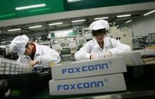 Trung Quốc: Nhà máy iPhone lớn nhất thế giới cũng chuyển sang làm khẩu trang vì bệnh dịch bùng phát