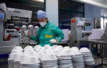 Mỹ đưa máy bay sang châu Á mua gom đồ bảo hộ y tế chống COVID-19