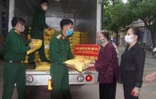 Mẹ Liệt sĩ 101 tuổi ủng hộ 2 tấn gạo cho vùng cách ly Covid-19