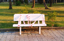 """Lý giải sau hình ảnh ghế đá công viên bị """"phong toả"""" tại TPHCM"""