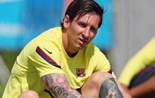"""Fan giật mình khi Messi đăng ảnh để tóc dài cạo râu nhẵn nhụi, tưởng là một pha đào ảnh cũ câu """"thả tim"""" nhưng không phải vậy"""