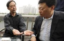 """Khoe nội lực """"dời non lấp bể"""", võ sư Trung Quốc không hiểu sao mình bị đánh ngã chỉ sau 4 giây"""