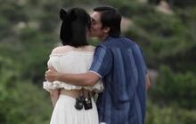 Nam thần điện ảnh Lãnh Thanh bất ngờ hôn Nam Em trên show hẹn hò