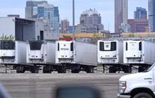 Mỹ: Qua nửa năm, hàng trăm thi thể COVID-19 vẫn nằm trong thùng xe đông lạnh